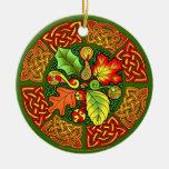 Ornamento céltico de las hojas de otoño ornamento para reyes magos
