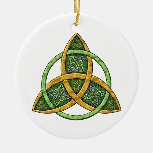 Ornamento céltico del nudo de la trinidad adornos