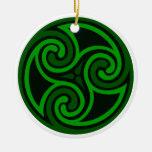 Ornamento céltico irlandés del remolino ornamentos de reyes