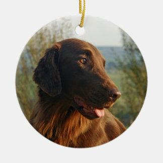Ornamento colgante del perro perdiguero de la foto adorno navideño redondo de cerámica