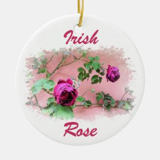 Ornamento color de rosa irlandés salvaje adornos de navidad