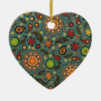 Ornamento colorido del estampado adorno de cerámica en forma de corazón