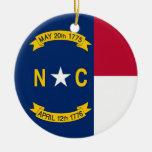 Ornamento con la bandera de Carolina del Norte Adorno Navideño Redondo De Cerámica