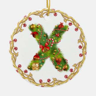 ornamento con monograma inicial del navidad de X - Adorno Navideño Redondo De Cerámica