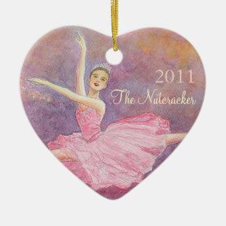 Ornamento conmemorativo del cascanueces adorno navideño de cerámica en forma de corazón