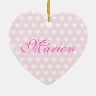 Ornamento conocido personalizado de los corazones adorno navideño de cerámica en forma de corazón