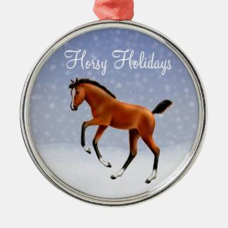 Ornamento de caballo feliz del potro de los días adorno redondo plateado