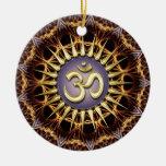 Ornamento de cerámica de OM de la armadura de oro  Ornamento De Navidad