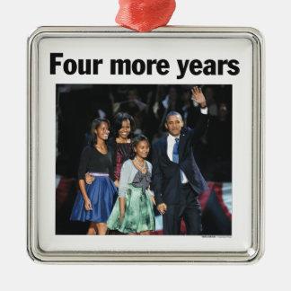 Ornamento de cuatro más de los años navidad de adorno cuadrado plateado