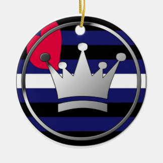 Ornamento de cuero de la corona del orgullo adorno navideño redondo de cerámica
