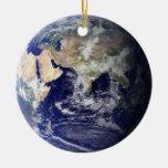 Ornamento de doble cara de la tierra adorno navideño redondo de cerámica