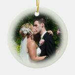 Ornamento de encargo de la foto del boda - Ecru Ornamentos De Navidad