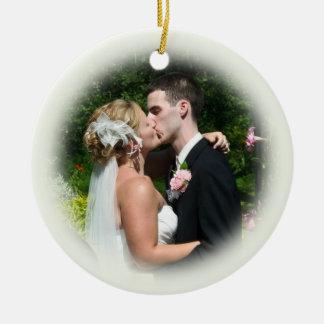 Ornamento de encargo de la foto del boda - Ecru Adorno Redondo De Cerámica