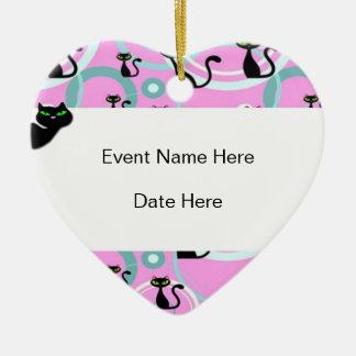 Ornamento de encargo del favor de fiesta del gato adorno navideño de cerámica en forma de corazón