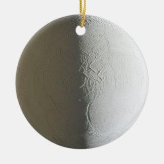 Ornamento de Enceladus Ornamentos De Reyes Magos
