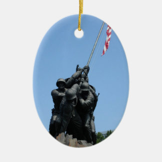 Ornamento de Iwo Jima Adorno Navideño Ovalado De Cerámica