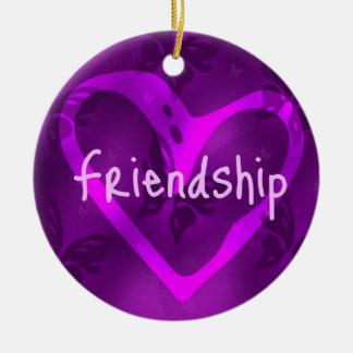 Ornamento de la amistad de la mariposa adorno navideño redondo de cerámica