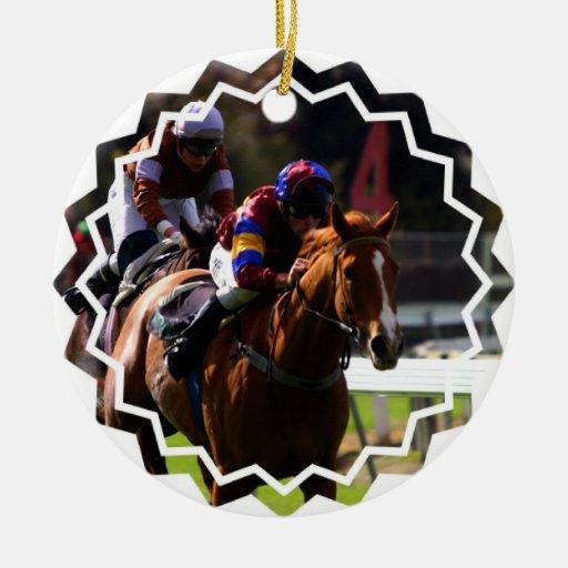 Ornamento de la carrera de caballos adorno navideño redondo de cerámica