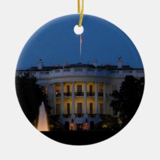 Ornamento de la Casa Blanca del navidad Adorno Redondo De Cerámica