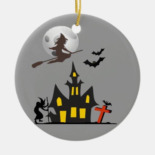 Ornamento de la casa encantada de Halloween Ornamentos De Reyes