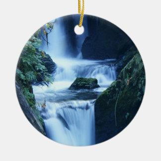 Ornamento de la cascada adorno redondo de cerámica