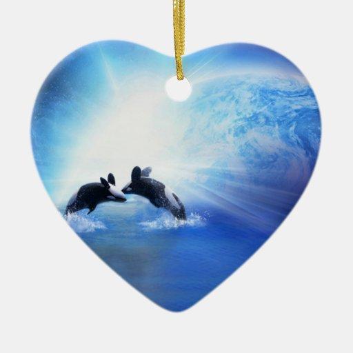 Ornamento de la danza de la orca adorno de cerámica en forma de corazón