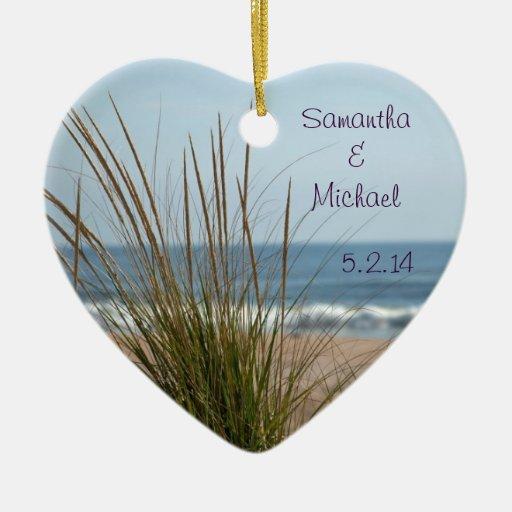 Ornamento de la fecha del boda de la vista al mar adorno