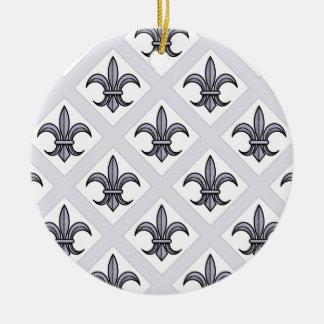 Ornamento de la flor de lis (modelo intrépido - adorno navideño redondo de cerámica