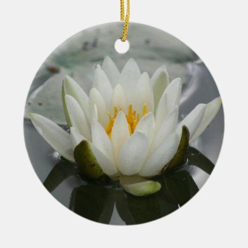 Ornamento de la flor del lirio de agua ornamento de navidad