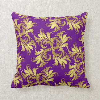 Ornamento de la flor del oro cojín decorativo