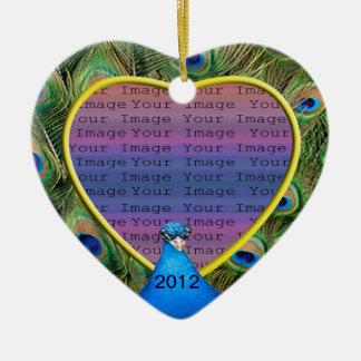 Ornamento de la foto del boda del pavo real adorno de cerámica en forma de corazón