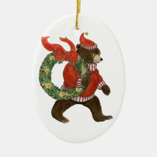 Ornamento de la guirnalda del navidad del oso de adorno navideño ovalado de cerámica