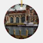 Ornamento de la isla de Ellis del vintage Ornamentos De Navidad