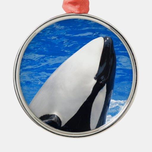 Ornamento de la orca adorno navideño redondo de metal