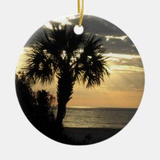 Ornamento de la palmera adorno navideño redondo de cerámica
