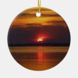 Ornamento de la puesta del sol adorno navideño redondo de cerámica