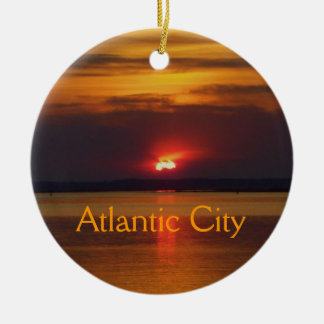 Ornamento de la puesta del sol de Atlantic City Adorno Redondo De Cerámica