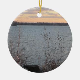 Ornamento de la puesta del sol de la orilla del la adorno de reyes