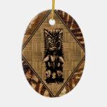 Ornamento de la tabla hawaiana del vintage de Tiki Adorno Navideño Ovalado De Cerámica