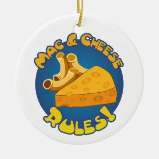 Ornamento de las reglas del mac y del queso adorno navideño redondo de cerámica