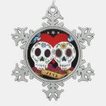 Ornamento de los cráneos del amor (copo de nieve o adorno