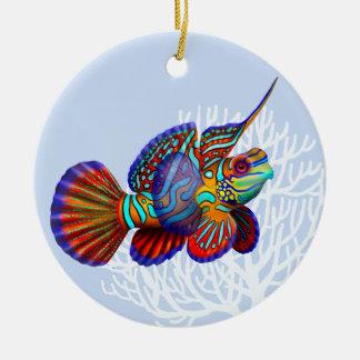 Ornamento de los pescados del gobio del mandarín adorno navideño redondo de cerámica