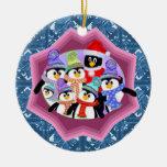 Ornamento de los pingüinos del día de fiesta ornamente de reyes