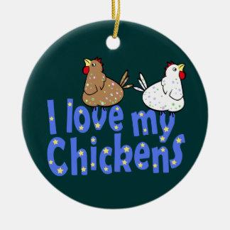 Ornamento de los pollos del amor adorno navideño redondo de cerámica
