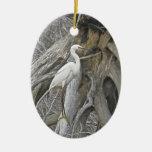 Ornamento de los saludos de la estación del Egret  Ornamentos De Navidad