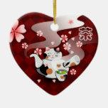 Ornamento de Maneki Neko Sakura del té I <3 Adorno De Cerámica En Forma De Corazón