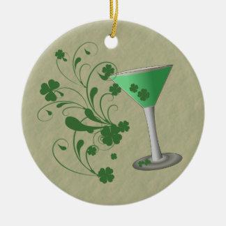 Ornamento de Martini del día de St Patrick Adorno Navideño Redondo De Cerámica