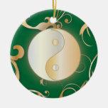 Ornamento de oro de Yin y de Yang Ornamentos De Navidad
