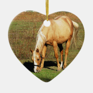 Ornamento de oro del caballo adorno de cerámica en forma de corazón