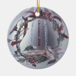 Ornamento de plata embellecido pecho rojo del peti ornato